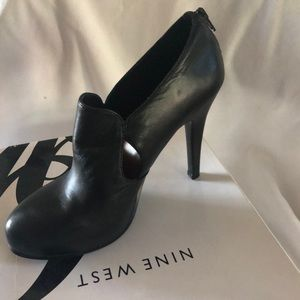 Nine West high heel bootie shoes black 6.5